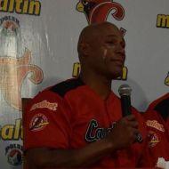 Robert Pérez emocionado anuncia su retiro del béisbol profesional